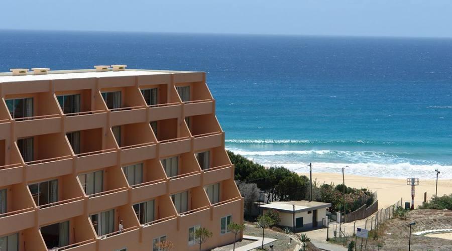 Soggiorno 4 stelle all 39 hotel club vila baleira di porto for Soggiorno portogallo