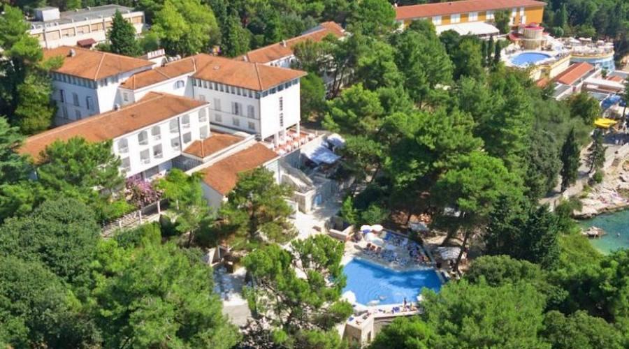 Soggiorno In Hotel 3 Stelle Vicinissimo Al Mare In Croazia , Parti ...