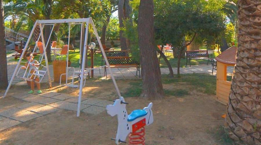 I giochi per i bambini in giardino