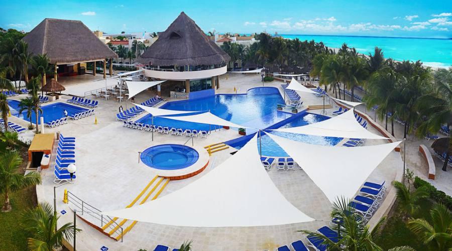 Viva Maya: Vista Piscina