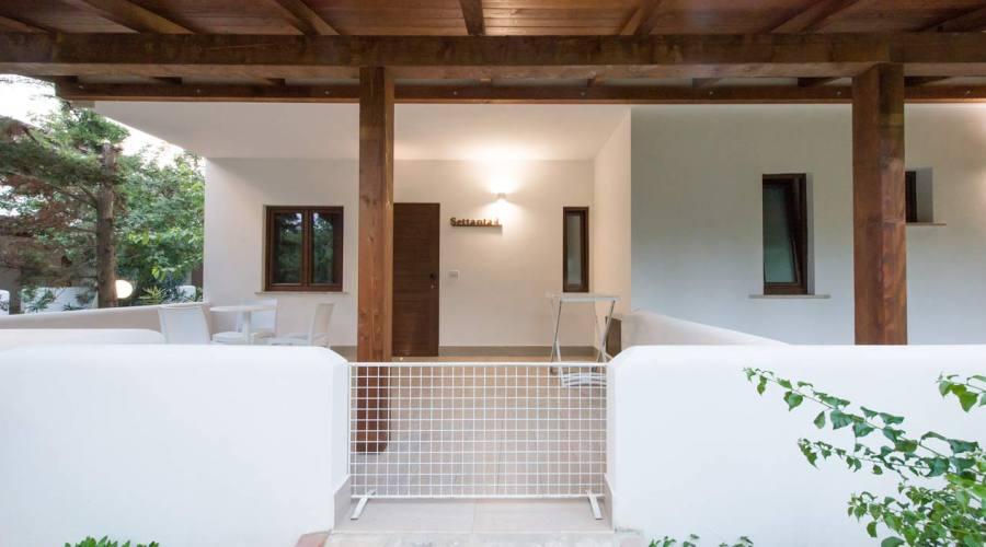 Camera con veranda e recinto
