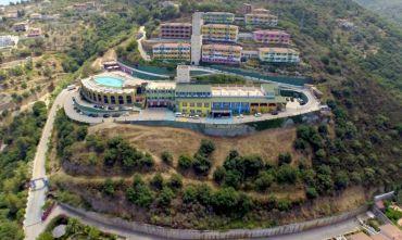 Lussuoso Resort 4 stelle con piscina panoramica
