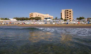 Hotel Club sul mare a due passi dal Barocco