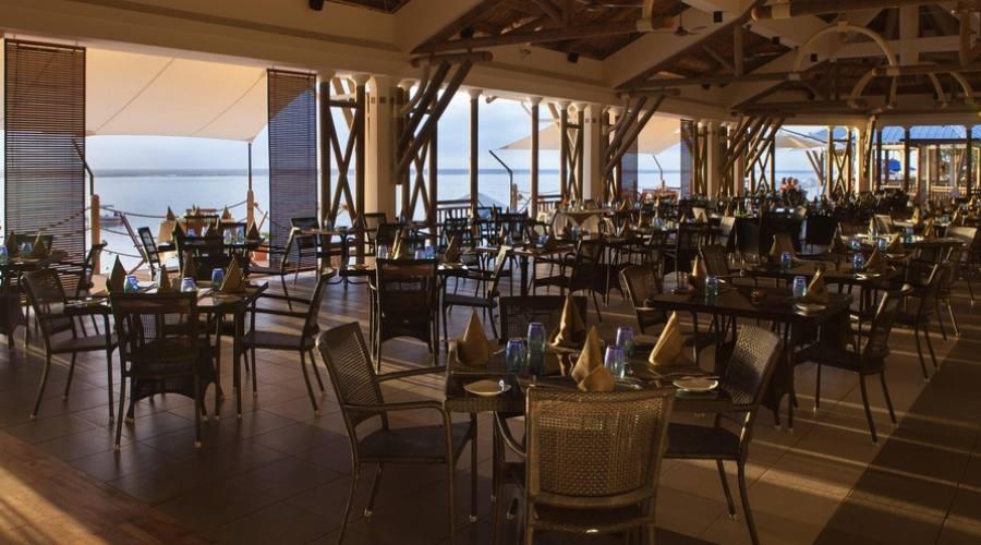 Il ristorante all'alba