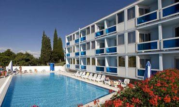 Hotel 3 stelle in una verde penisola