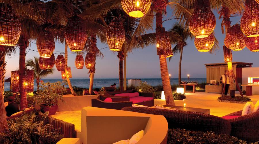 The Lounge Beach Bar