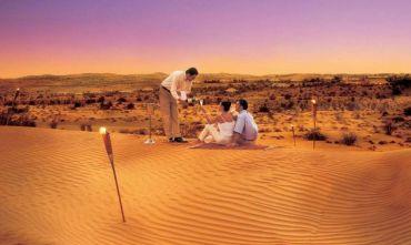 Una combinazione unica: il fascino del deserto e il comfort del lusso negli Emirati!