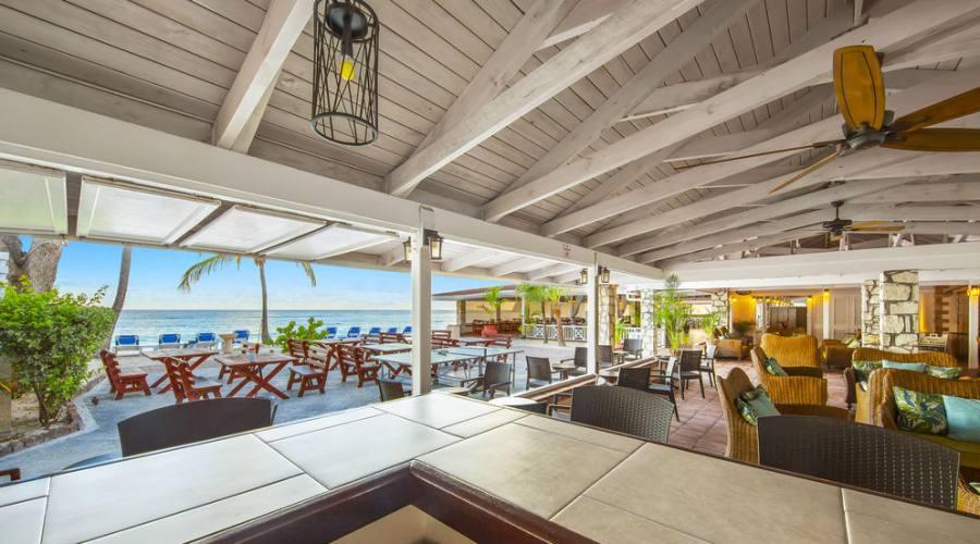 Pineapple Beach Club - ristorante fronte spiaggia