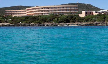 Club Hotel Roccaruja con nave inclusa