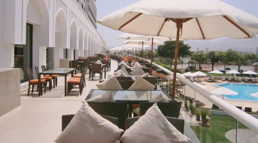 Terrazza dell'Hotel Crowne Plaza -Muscat