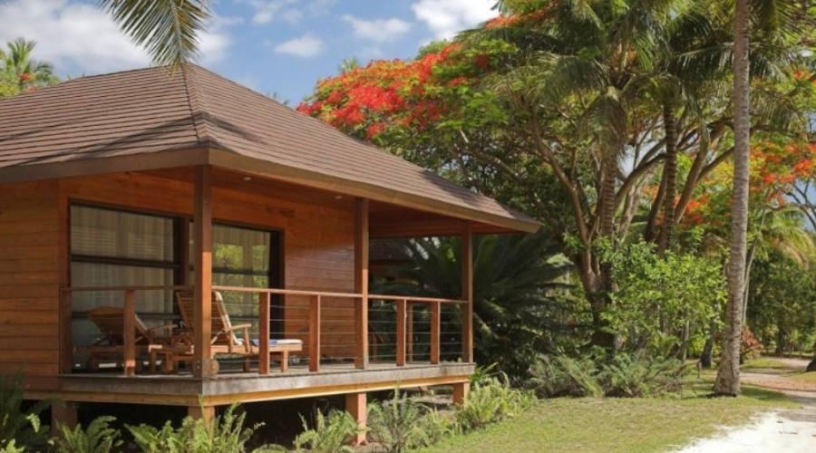 Isola dei Pini Hotel Oure Lodge