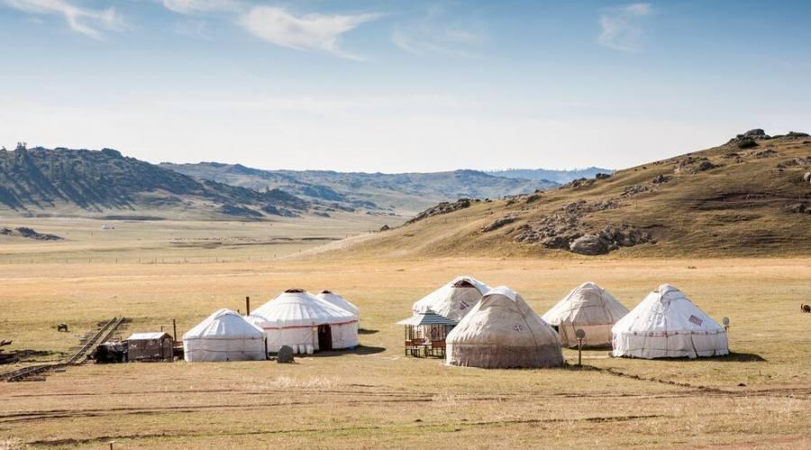 Mongolia Accampamento conte tradizionali Yurte