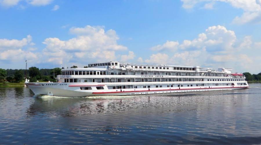 Una delle navi della crociera fluviale