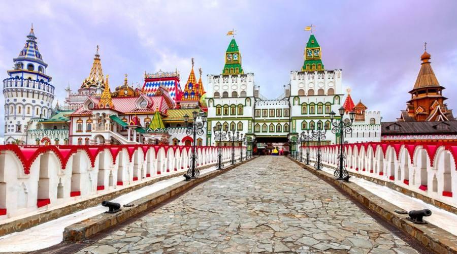 Mosca il Mercato Izmailovsky