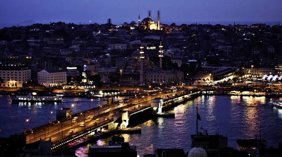 Il Ponte sul Bosforo di notte