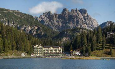 Hotel 4 stelle con vista mozzafiato sul lago