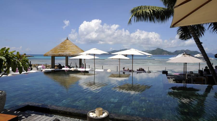 piscina beach front