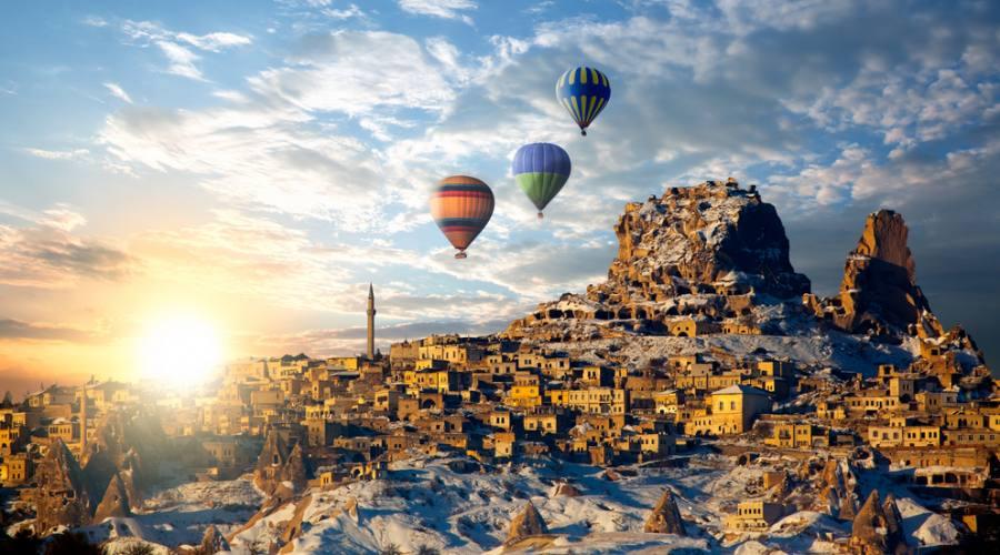 Mongolfiere in volo in Cappadocia