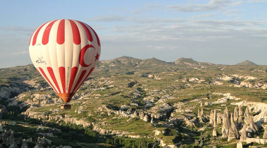 Gita in mongolfiera per ammirare il paesaggio mozzafiato della Cappadocia