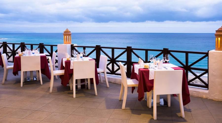bar e ristorante all'aperto