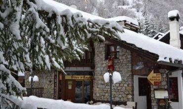 Sci, Passeggiate e Relax ammirando il Monte Bianco