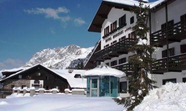 Hotel Monzoni (4 stelle) sul Passo S.Pellegrino