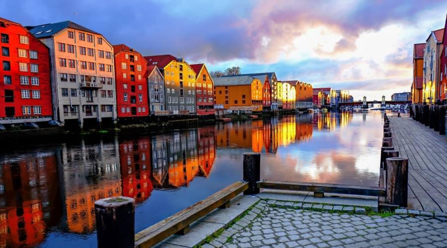 Trondheim, Fly&Drive Norvegia