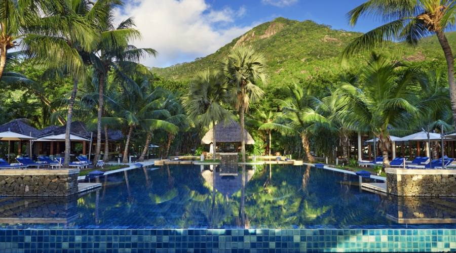 piscine e ristoranti