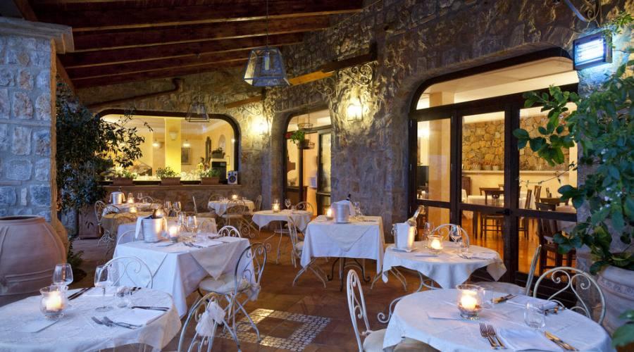 Il ristorante nel portico