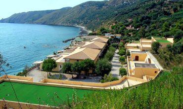 Prenota Prima Residence in Villaggio sul mare con animazione