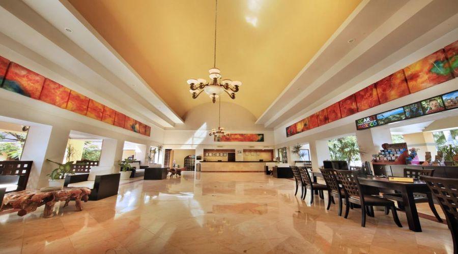 Viva Atzeca: Lobby della Hall