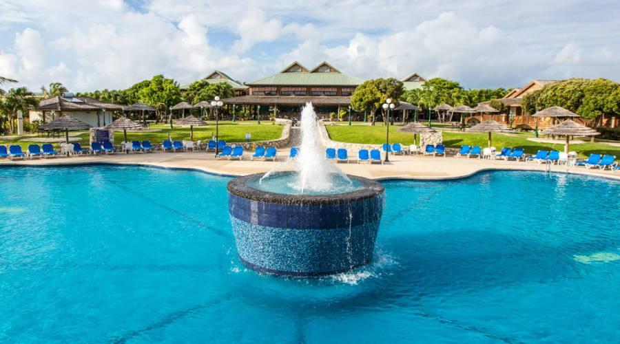 The Verandah Resort & Spa - la piscina