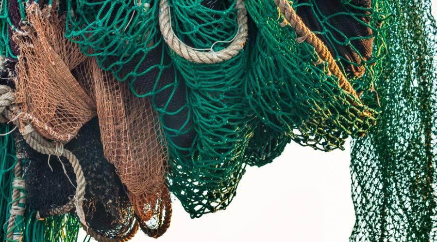 Remi in barca e reti appese