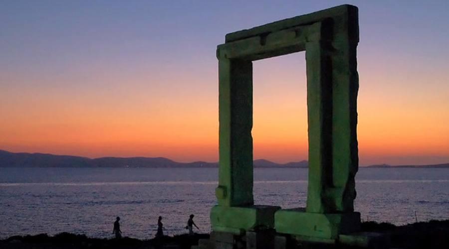 Naxos, Porta di Apollo