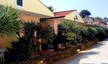 Villaggio sul mare formula Hotel da 2 a 4 posti con Biberoneria e Miniclub