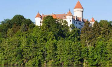 Romantico tour tra i castelli della Boemia, in bus da Verona.