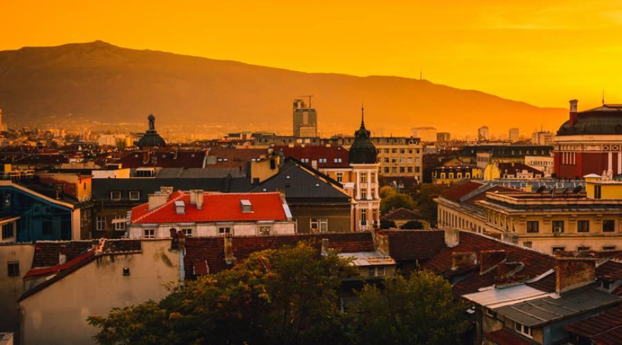 Sofia, luci al tramonto