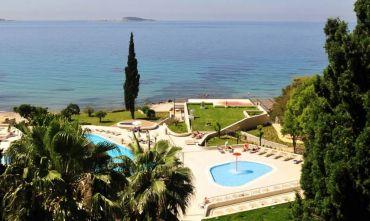 Hotel 3 stelle circondato dal giardino mediterraneo