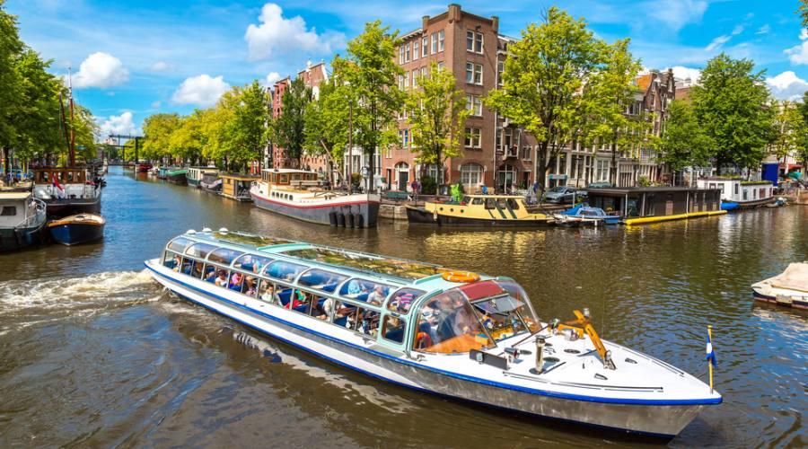 Sui canali ad Amsterdam