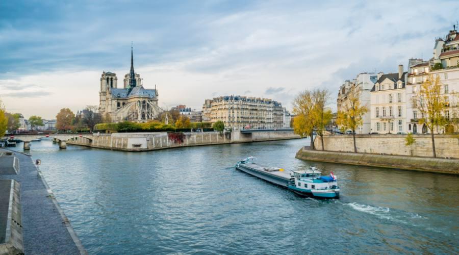 Parigi, sulla Senna