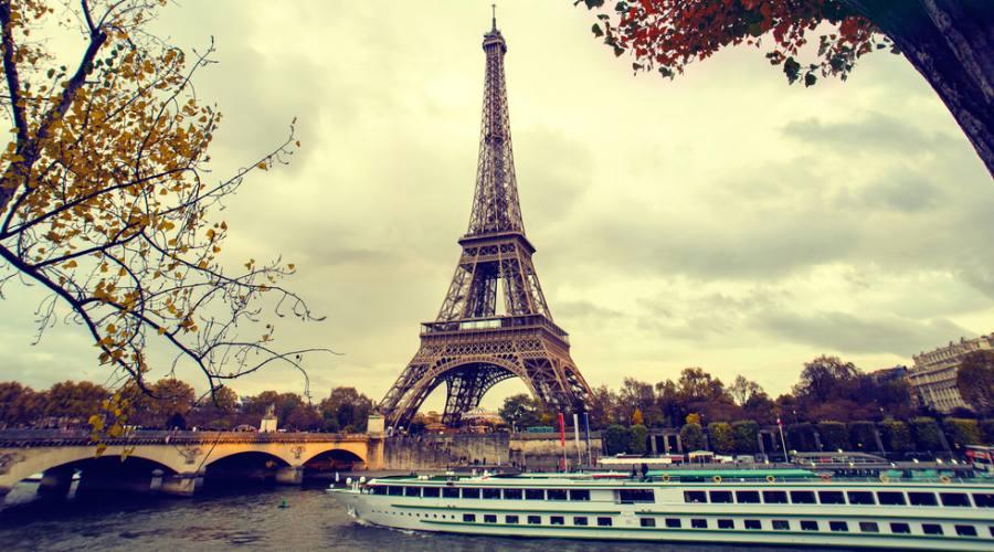 Sotto la torre Eiffel