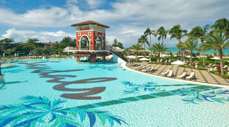 Sandals Grande Antigua Resort - una delle piscine