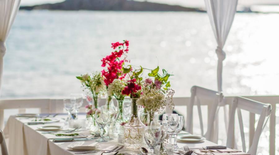 cena elegante sul mare