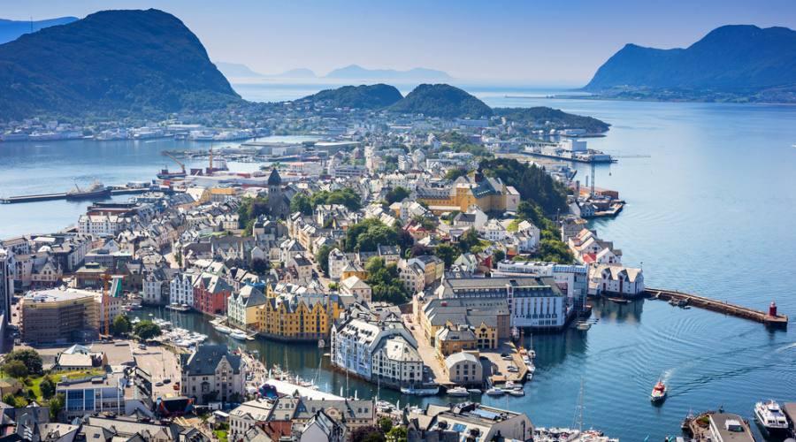Alesund, Fly&Drive Norvegia