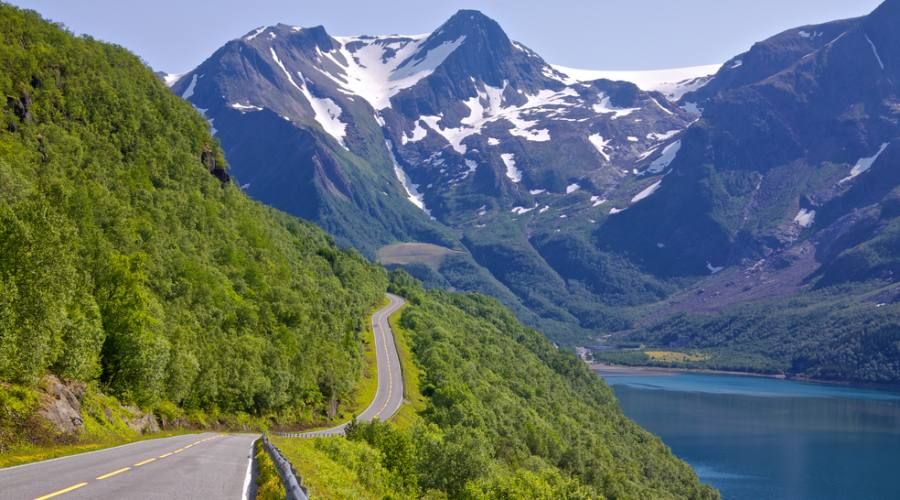 Viaggiando lungo il fiordo