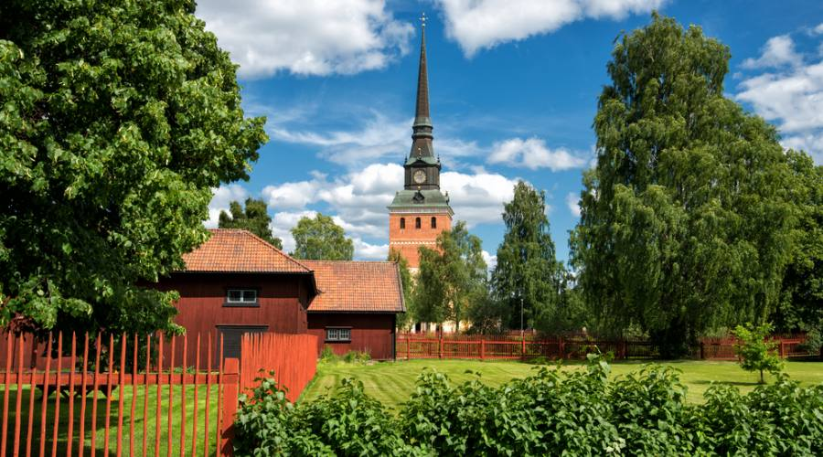 Chiesa di legno nella campagna svedese