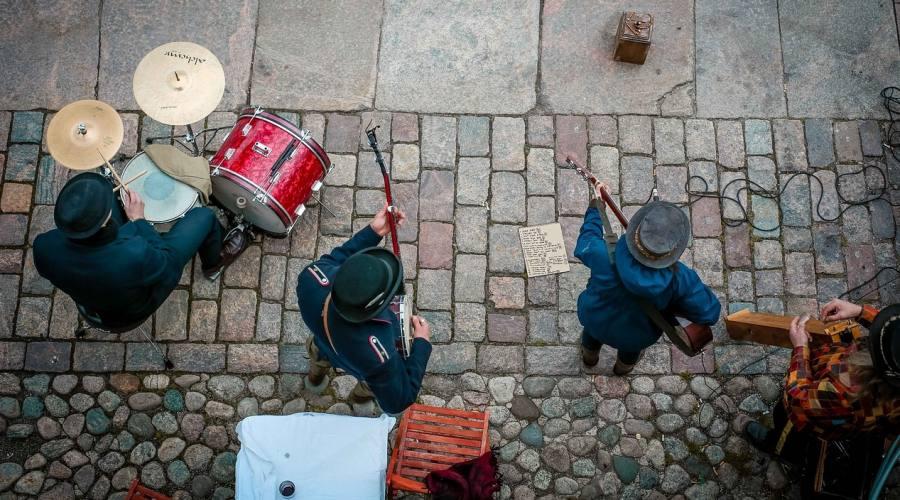 Helsinki: artisti di strada