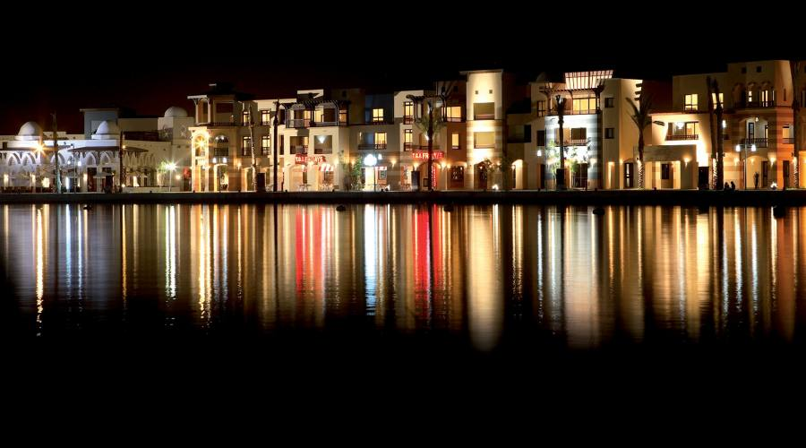 Veduta della Marina di Port Ghalib by night