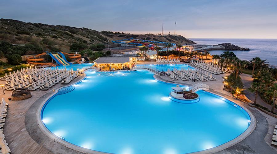 piscina vista dall'alto