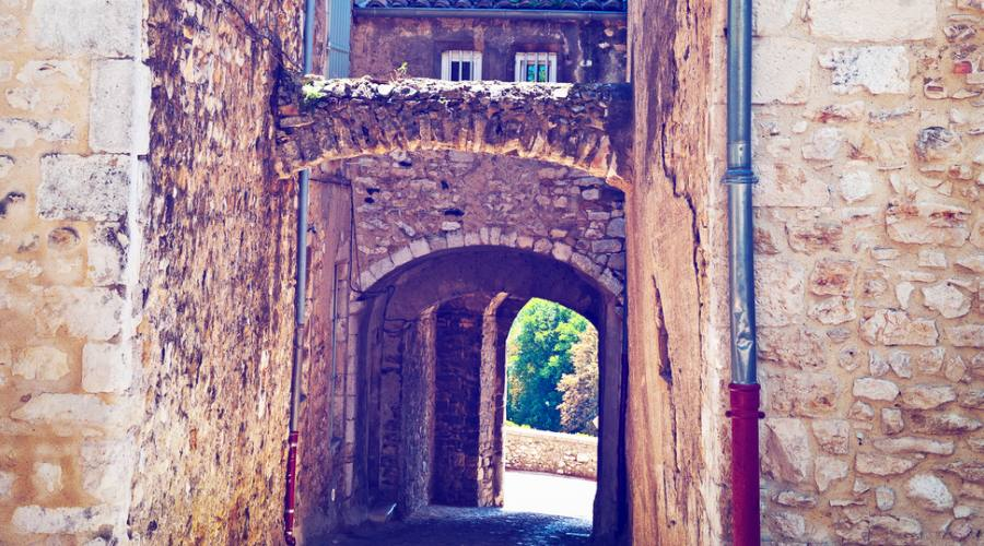 Viviers, arco medievale